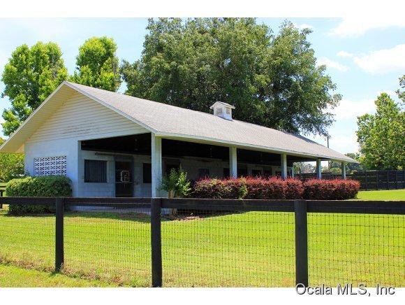 13489 NW Gainesville Road, Reddick, FL 32686