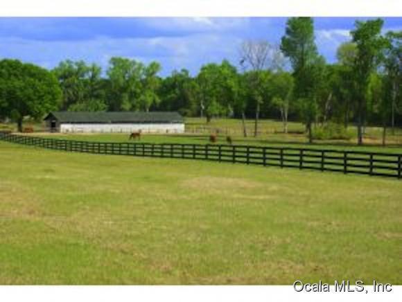 1 NW County Hwy 225A, Reddick, FL 32686