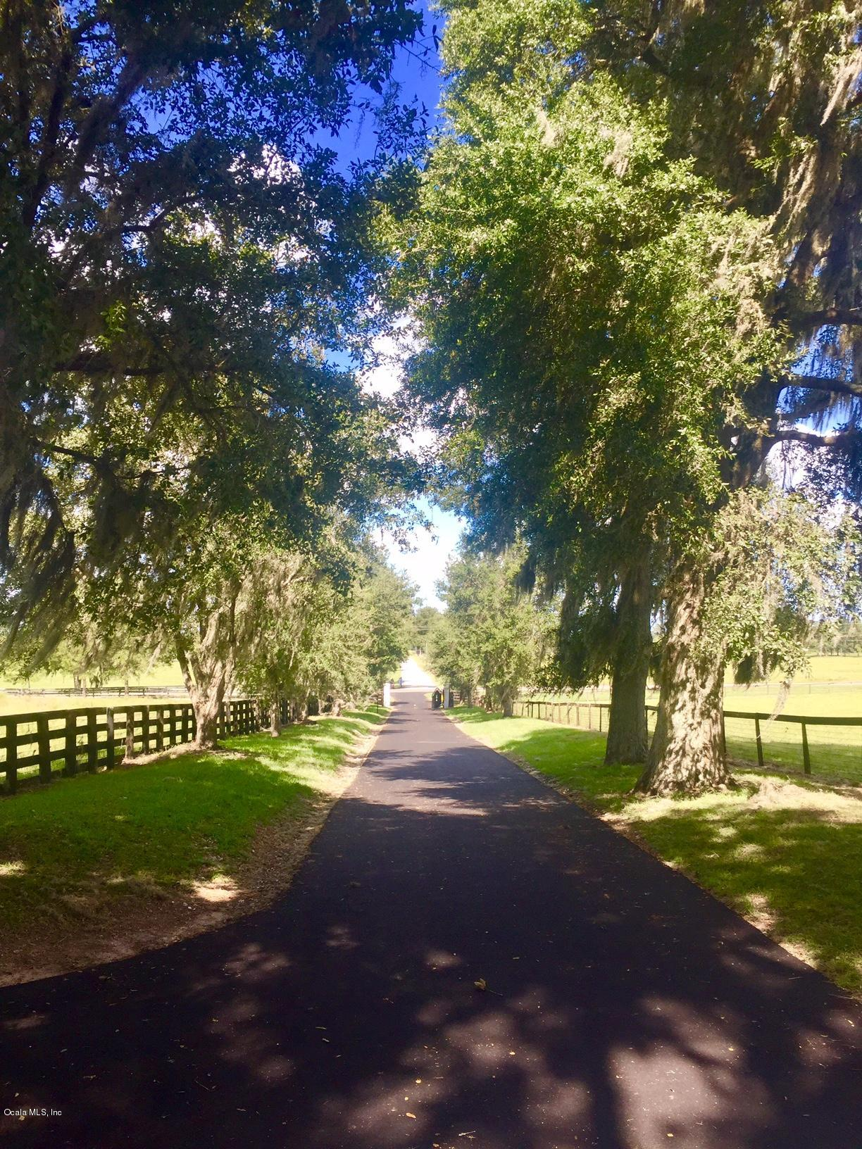 43 ACRE EQUESTRIAN FACILITY GATED 1 MILE FROM HITTS