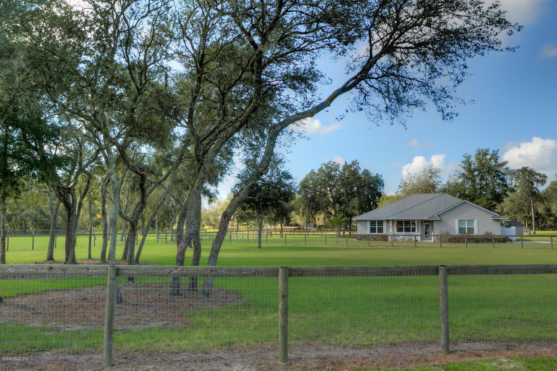7460 SE 117th Ter Terrace, Morriston, FL 32668