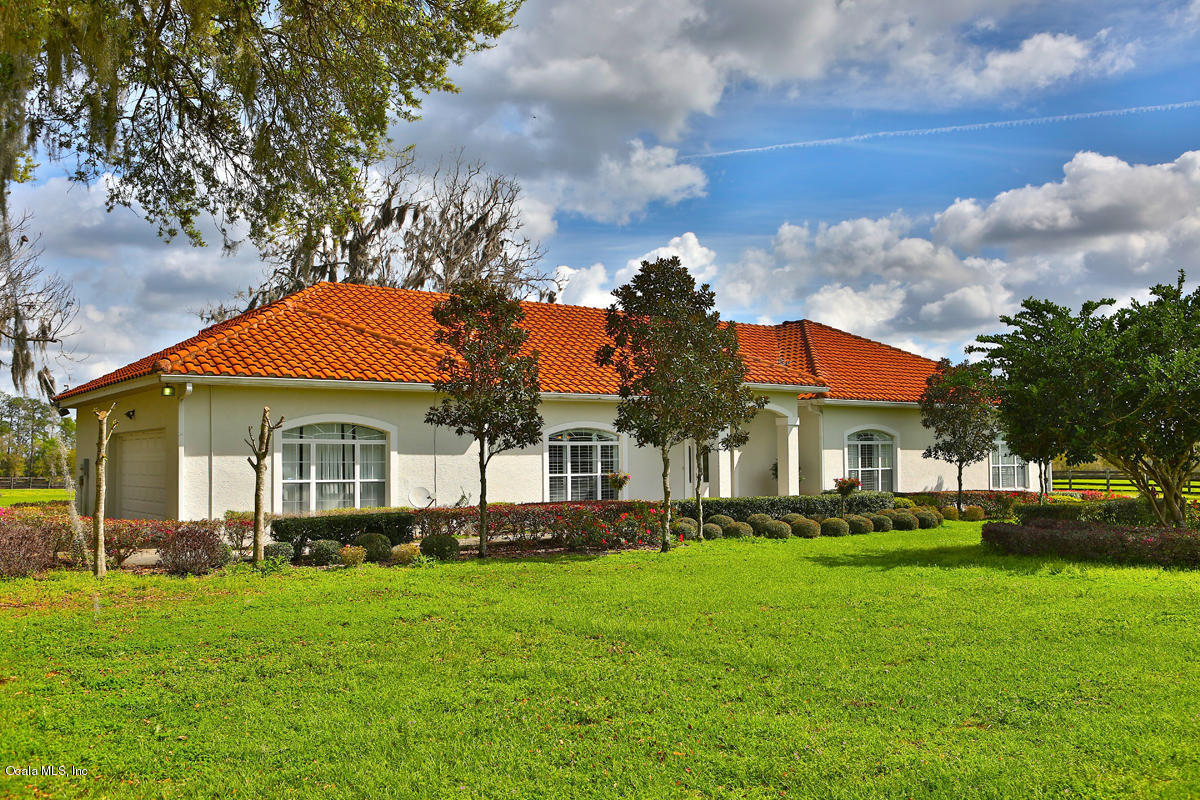 15221 NW 112th Place Road, Morriston, FL 32668