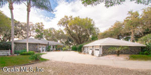 15050 SE 140 Avenue Road, Weirsdale, FL 32195