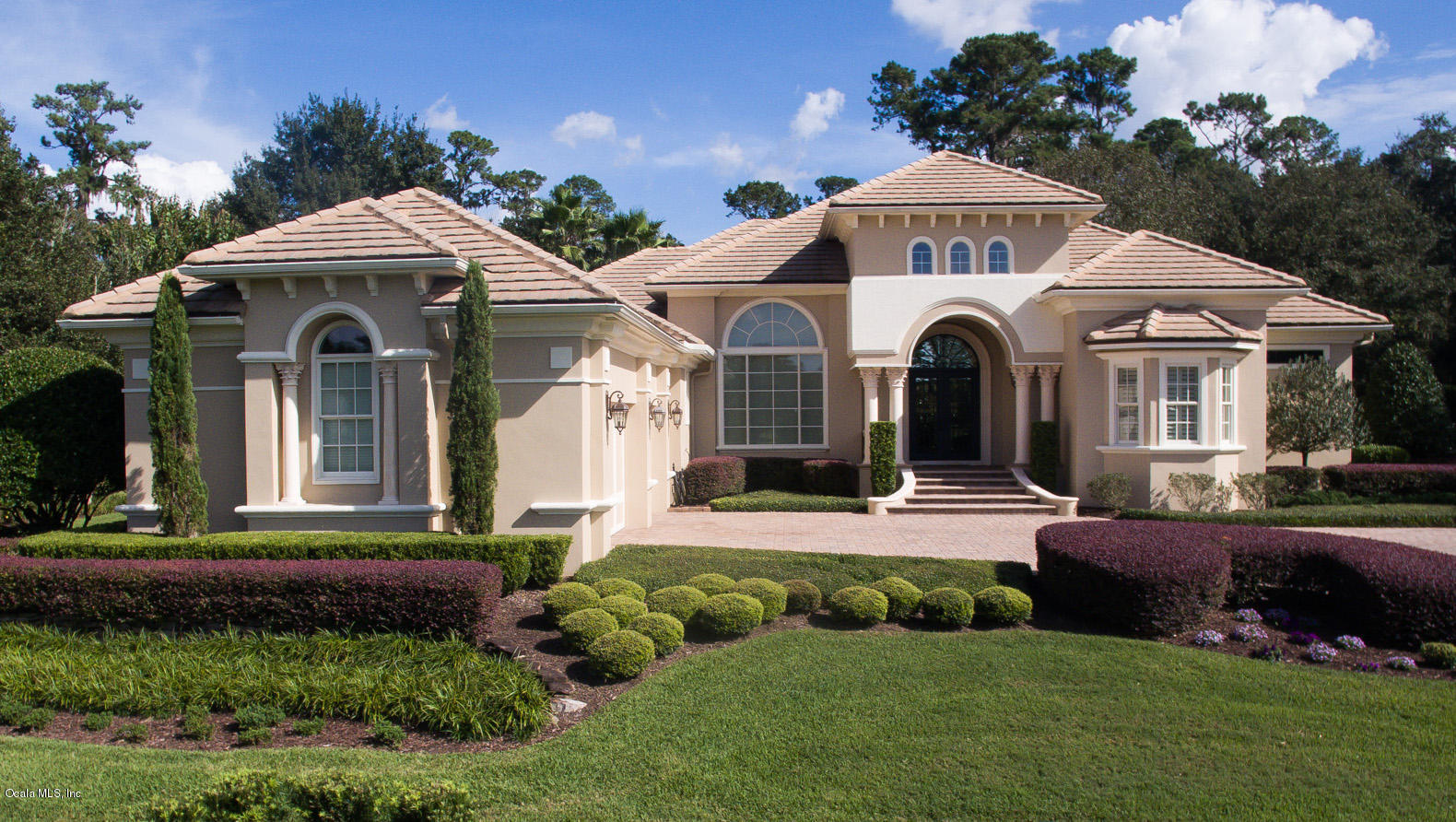 This spectacular home is located in the first class golf and equestrian community of golden ocala situated in the rolling hills of central nw ocalas horse