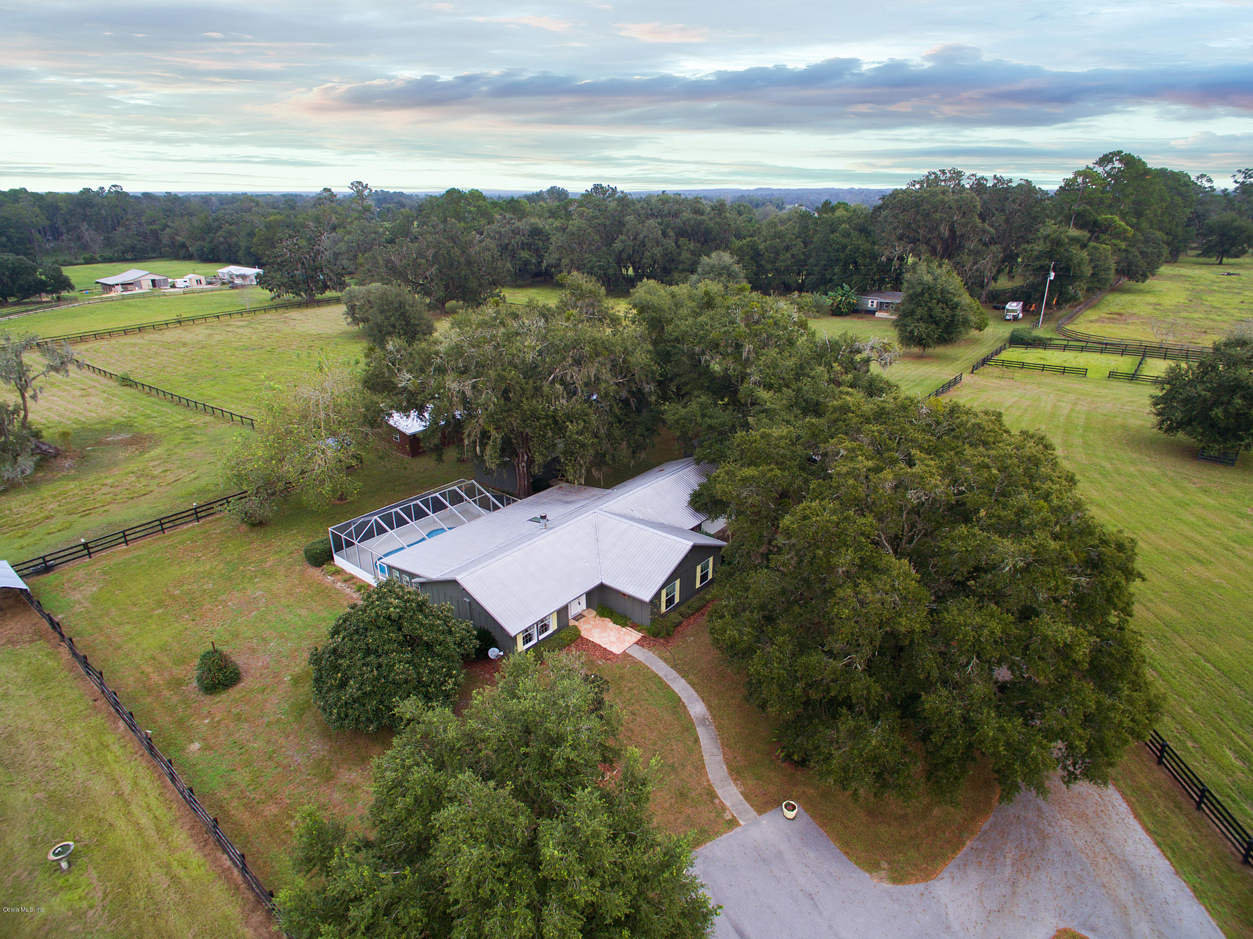 15353 NW 112th Place Road, Morriston, FL 32668