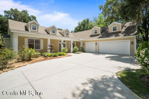 10235 SE Sunset Harbor Road, Summerfield, FL 34491