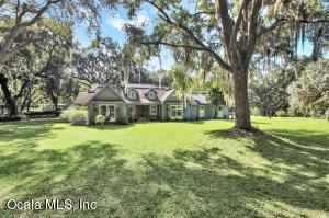 Property for sale at 6847 SE 180th Avenue Road, Ocklawaha,  Florida 32179
