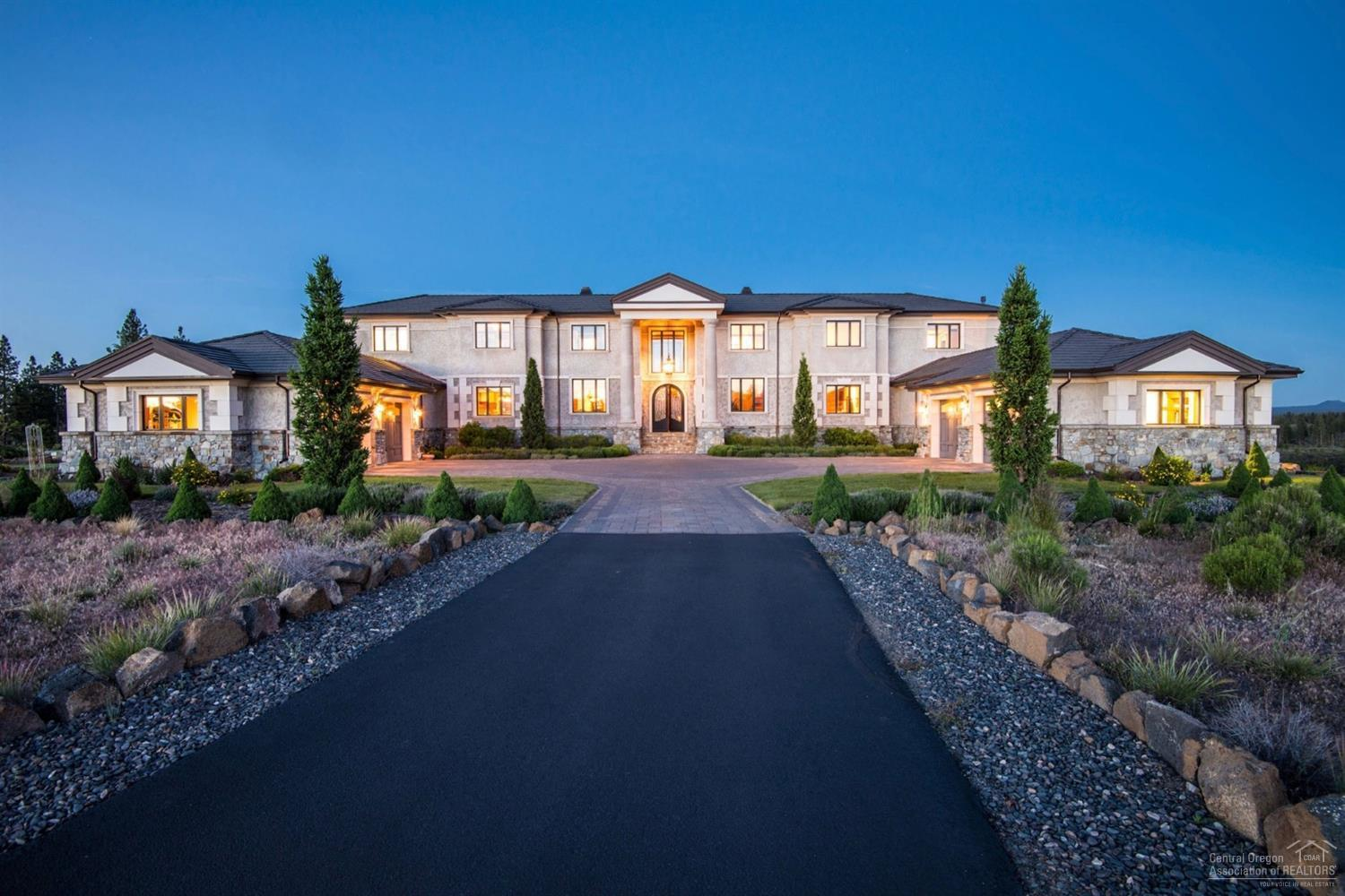Photo of 60990 Bachelor View Road, Bend, OR 97702