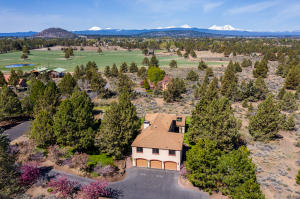 Private Setting on 1.71 Acres
