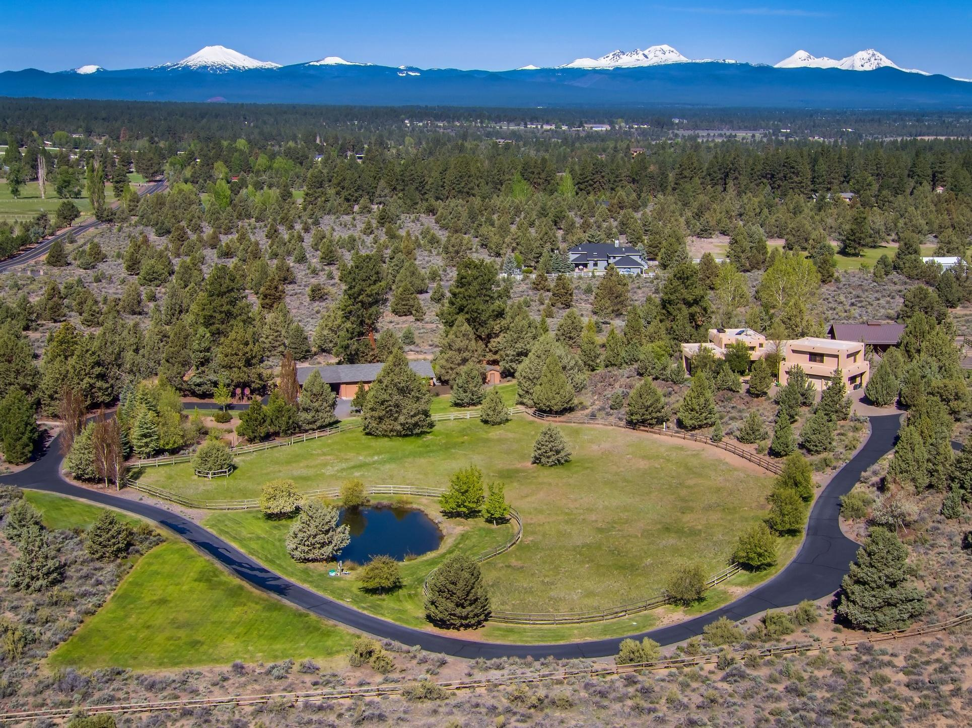 Photo of 60336 Arnold Market Road, Bend, OR 97702