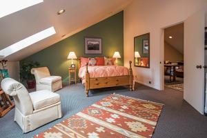 Flex space. Current 4bedroom