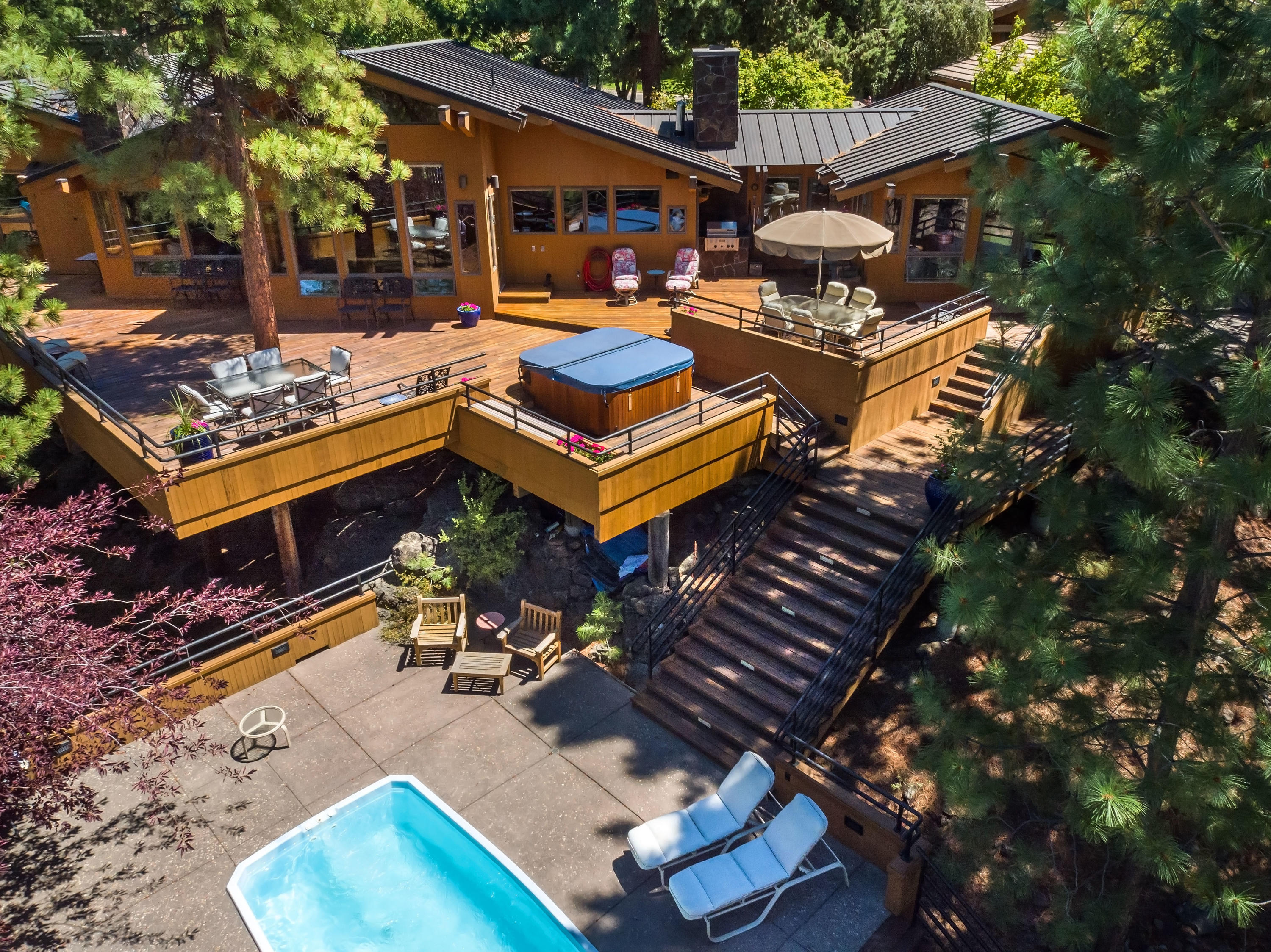 Photo of 2020 NW Glassow Drive, Bend, OR 97703