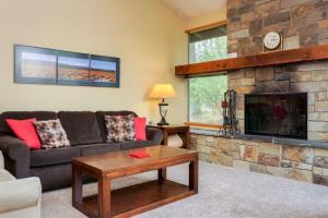 57355-12 Lake Aspen Lane Drive, Sunriver, OR 97707