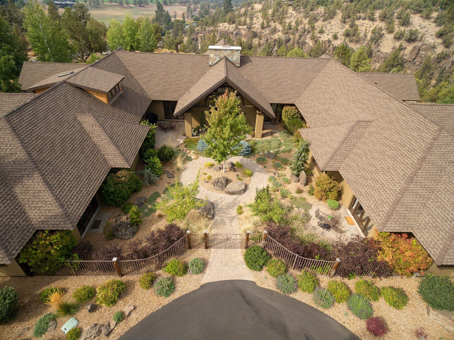 Photo of 20450 Arrowhead Drive, Bend, OR 97703