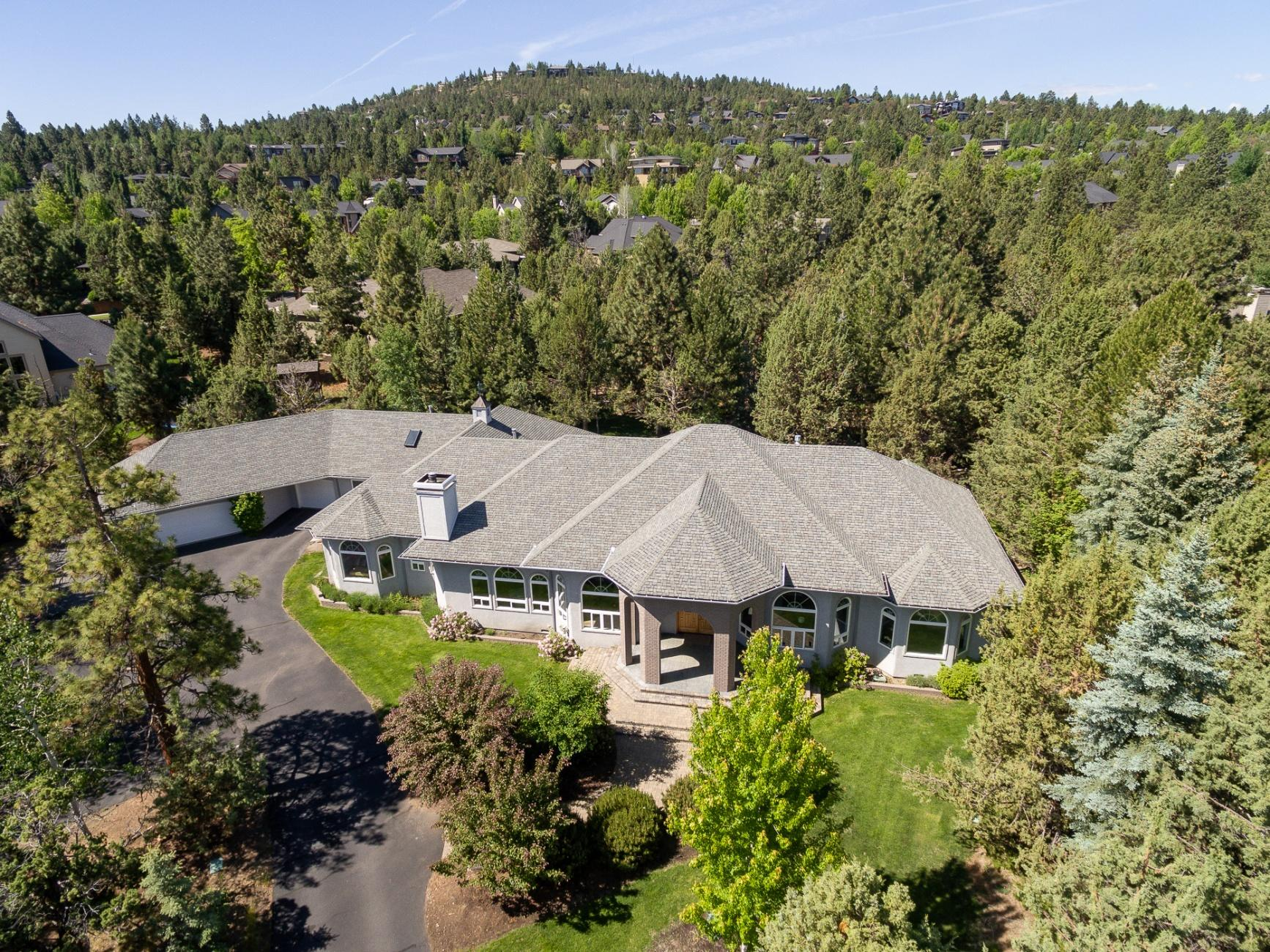 Photo of 3729 NW Summerfield, Bend, OR 97703