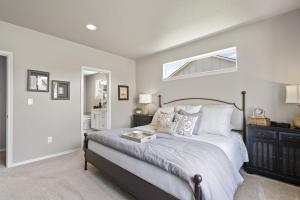 Hudson - Master Bedroom