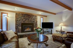 Welcome to Conifer 9 in Sunriver