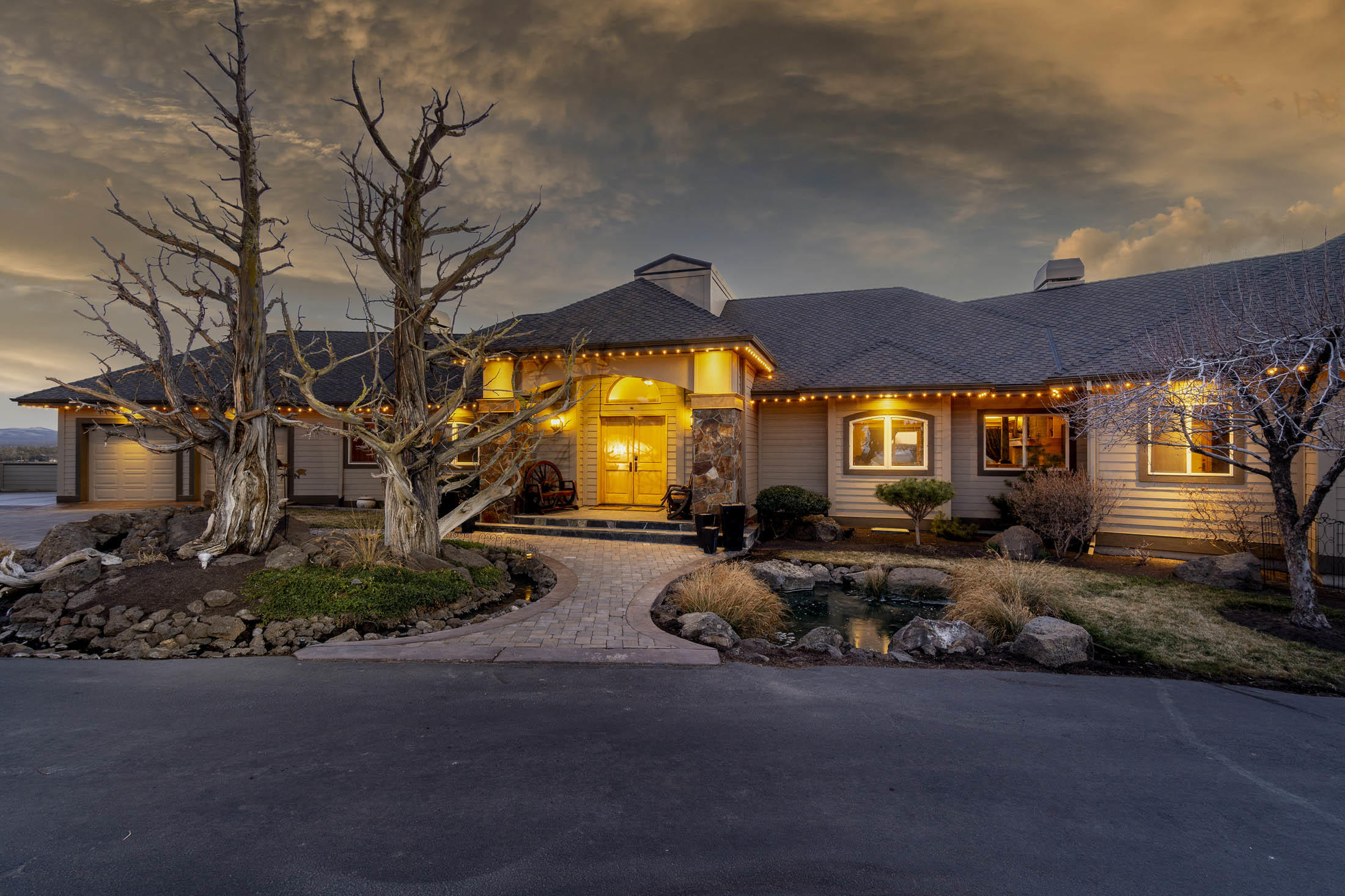 Photo of 23770 Dodds Road, Bend, OR 97701
