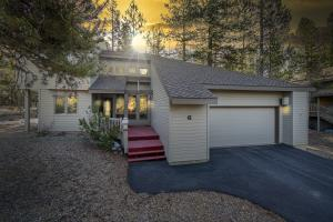 17938 Playoff Lane, Sunriver, OR 97707
