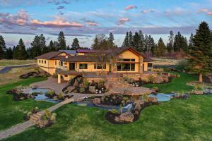 Exquisite 40 Acre Estate
