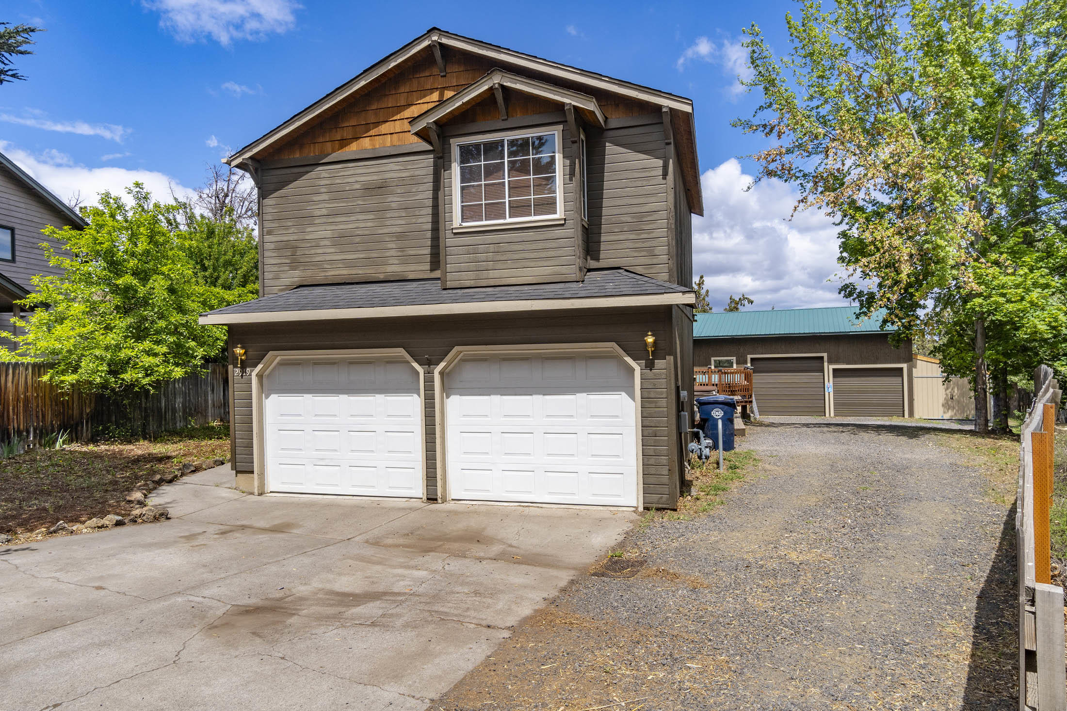 Front of House/Driveway to shop