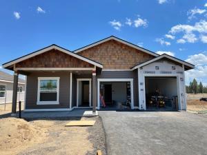 51772 Mountain Pine Street, La Pine, OR 97739