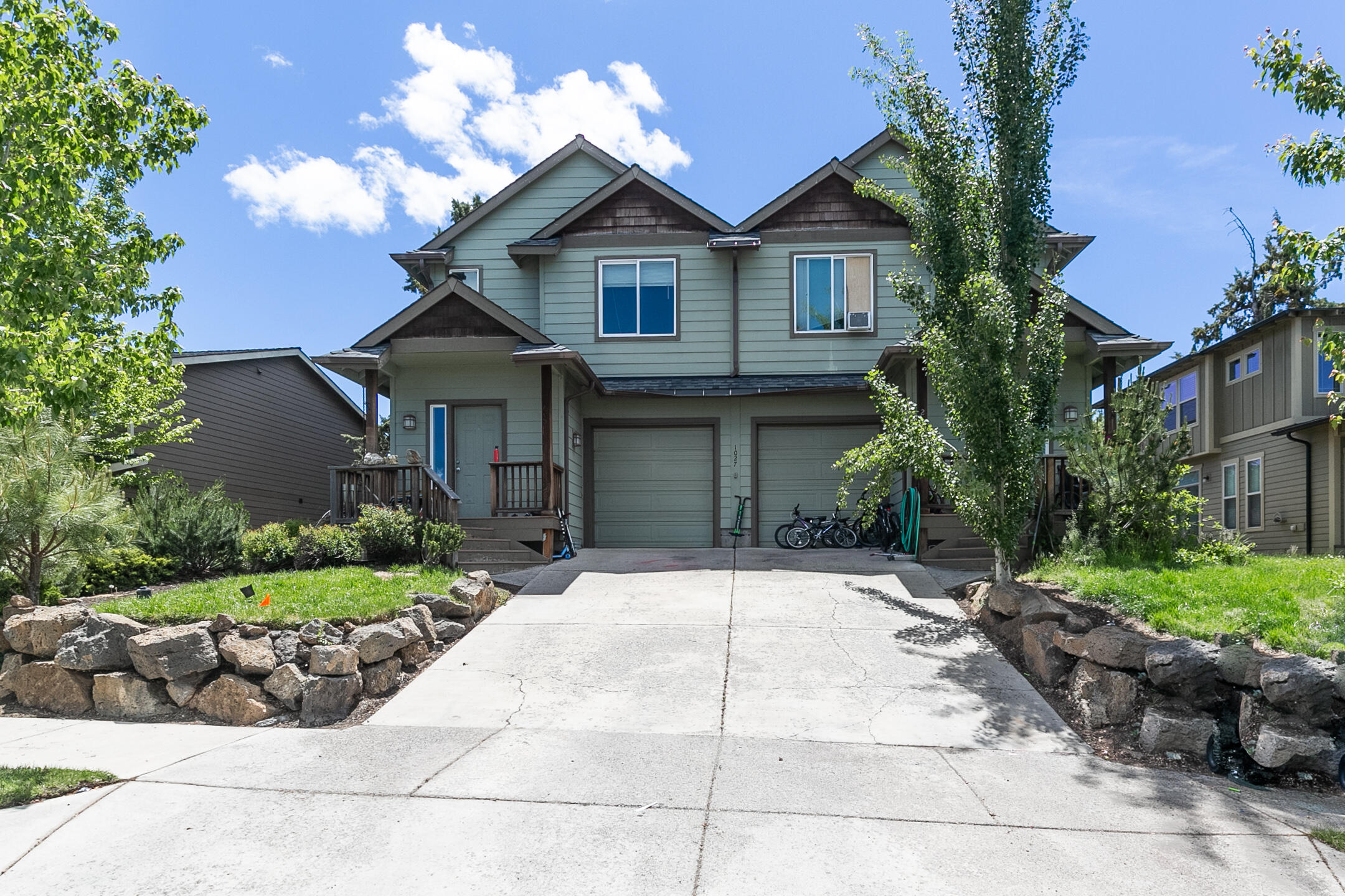 This wonderfully located NE Bend duplex features 2 mirrored units. Both 3 Bedroom 2.5 baths. The units have 1,366 Sq. Ft. of spacious living area with open concept kitchen and living room. the deck off of the living area provides great outdoor living/dining environment.