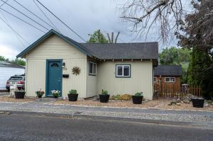 1124 SW Cascade Avenue, Redmond, OR 97756