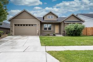 2448 NW Glen Oak Avenue, Redmond, OR 97756