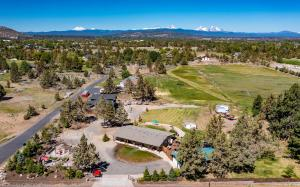 62775 Hamby Road, Bend, OR 97701