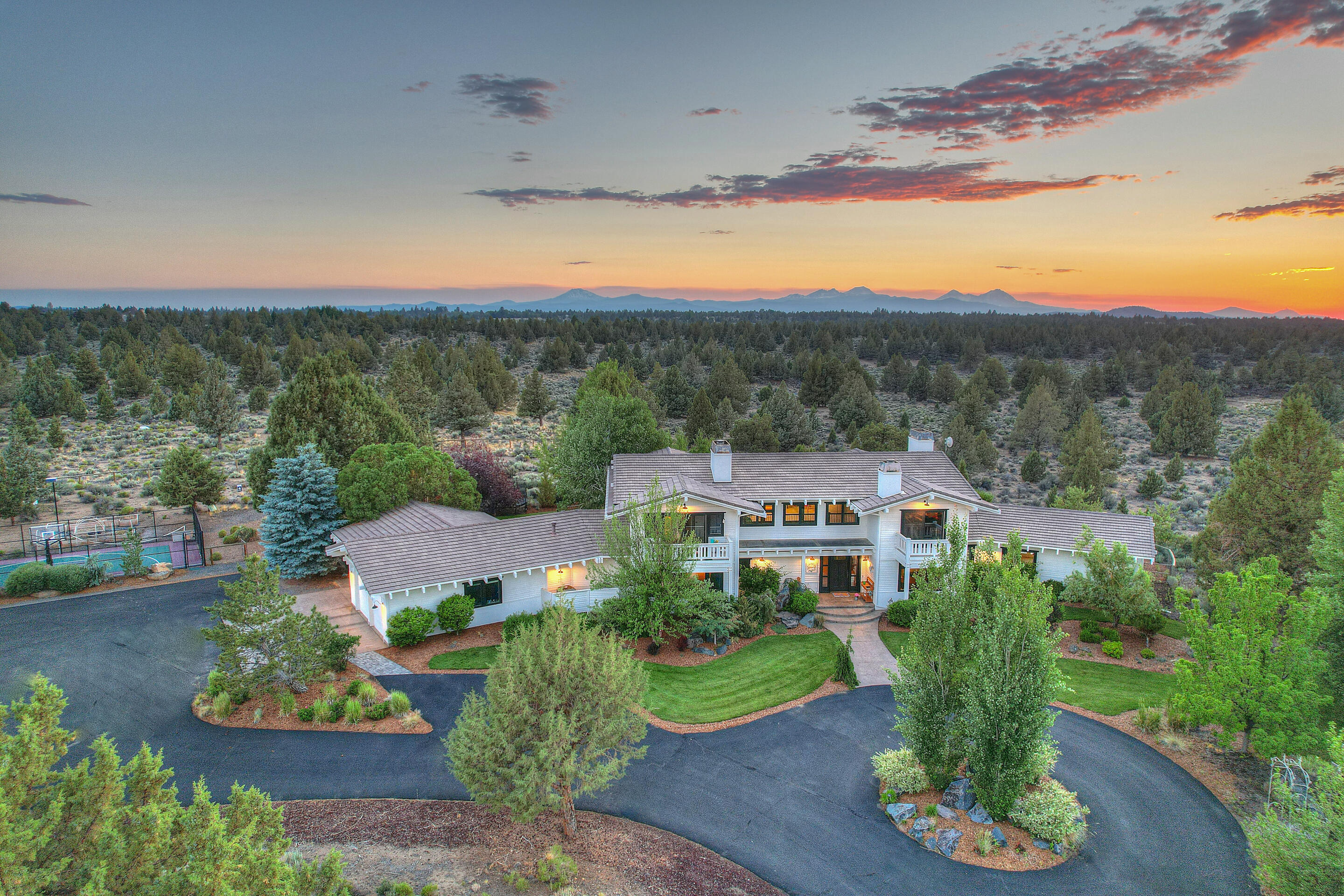 Photo of 61415 Gosney Road, Bend, OR 97702