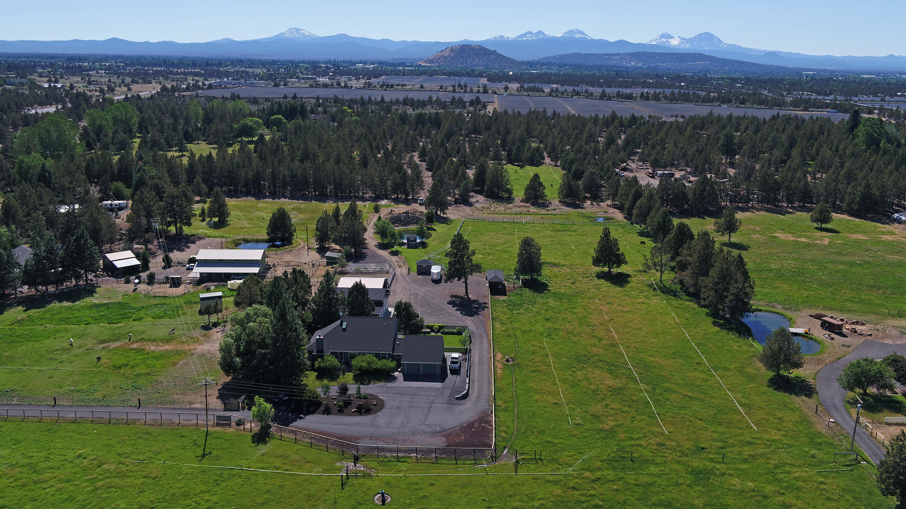62227 Powell Butte Road (1 of 52)