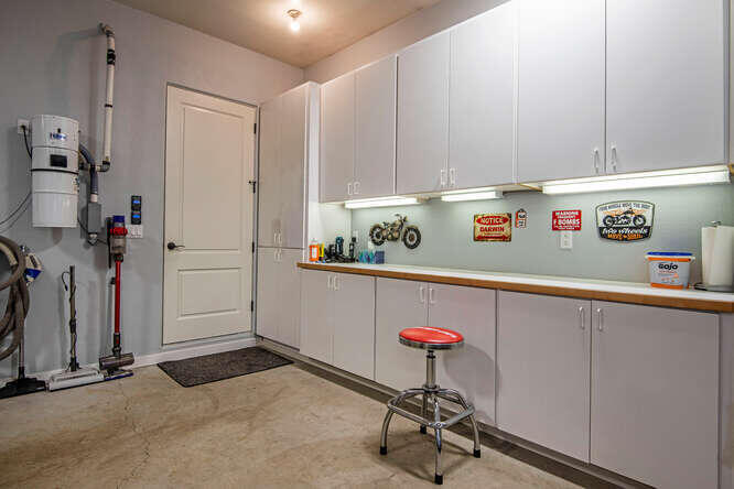 17715 Mountain View Rd Sisters-small-025