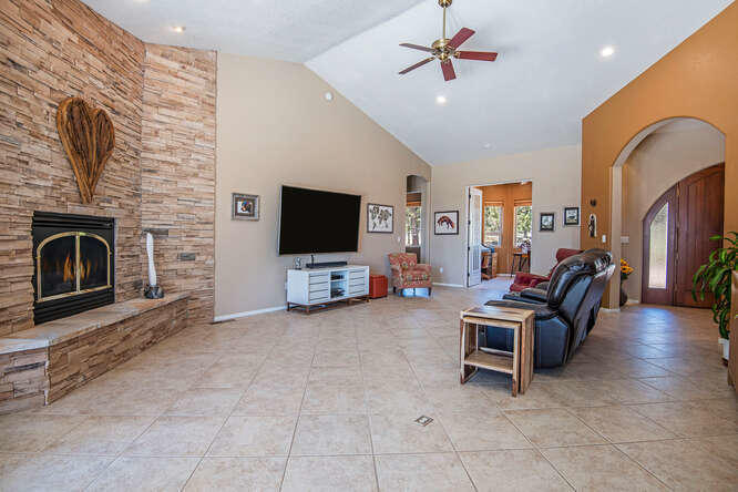 17715 Mountain View Rd Sisters-small-007