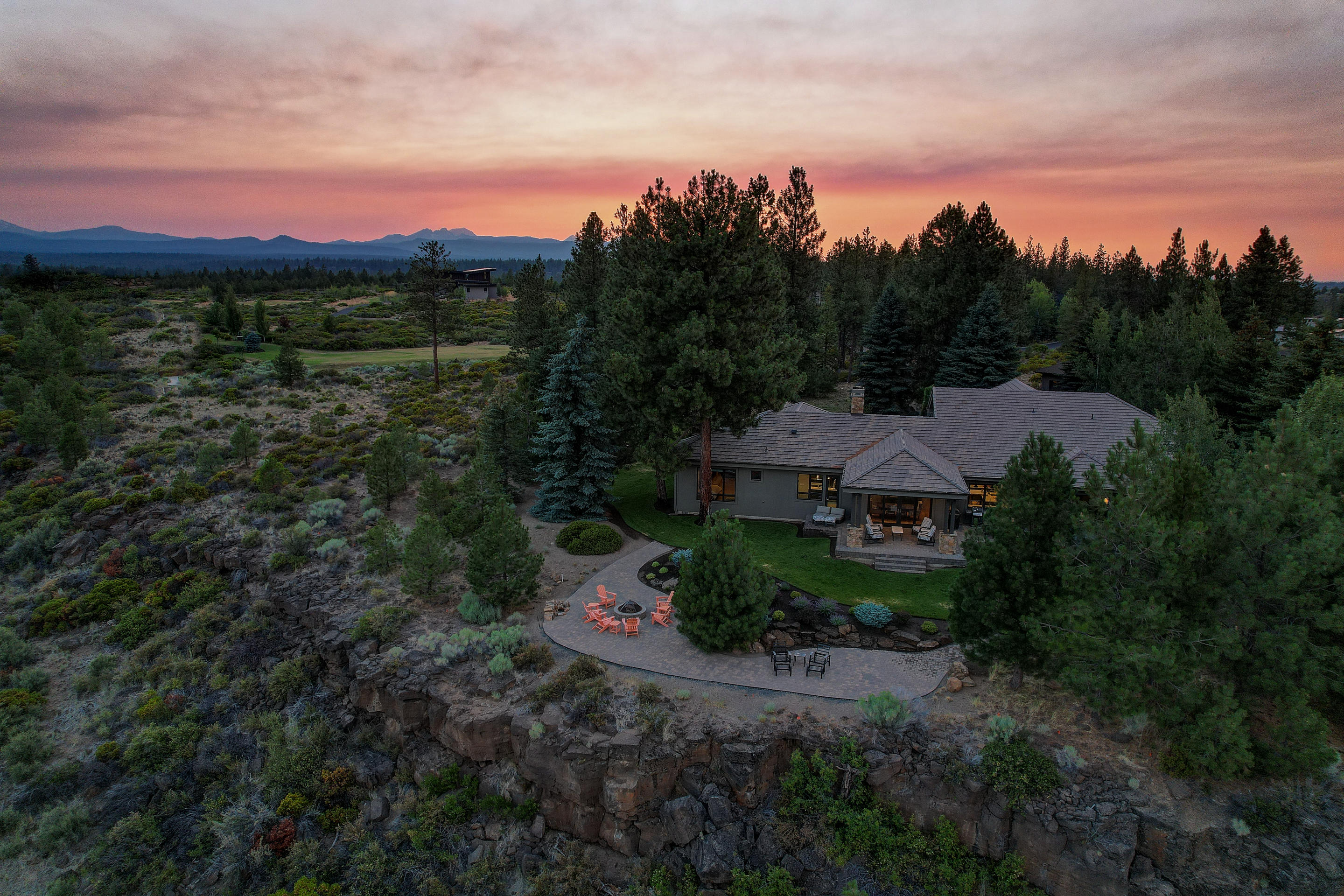 Photo of 61000 Bachelor View Road, Bend, OR 97702