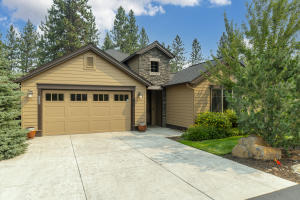 Beautiful Pahlisch Home in Stonegate Community