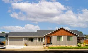 20714 Tango Creek Avenue, Bend, OR 97701
