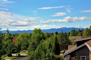 20726 NE Russell Drive, Bend, OR 97701
