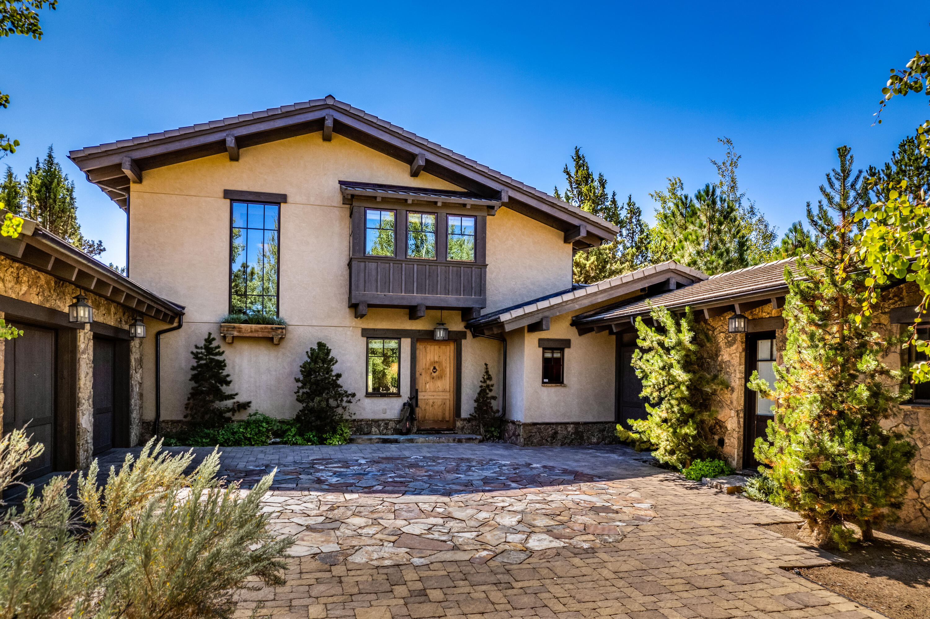23097 Watercourse Way, Bend, OR 97701