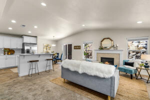 2991 NE Quiet Canyon Drive, Bend, OR 97701