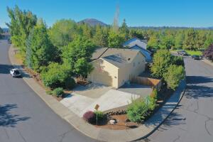 2883 NE Baroness Place, Bend, OR 97701