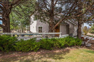 22222 Sweetgrass Drive, Bend, OR 97702