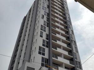 Apartamento En Ventaen Panama, El Carmen, Panama, PA RAH: 16-575