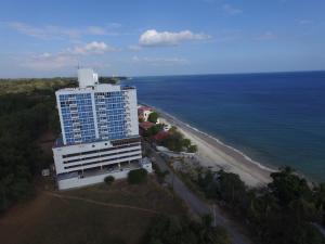 Apartamento En Ventaen Chame, Coronado, Panama, PA RAH: 16-1524