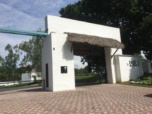 Terreno En Ventaen Chame, Coronado, Panama, PA RAH: 17-3919
