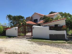 Casa En Ventaen Chame, Coronado, Panama, PA RAH: 17-4972