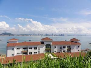 Apartamento En Alquileren Panama, Amador, Panama, PA RAH: 17-5104