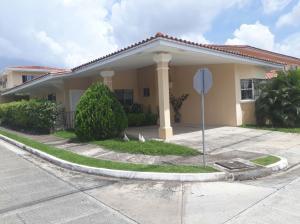 Casa En Ventaen Panama, Brisas Del Golf, Panama, PA RAH: 17-2478