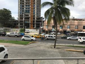 Apartamento En Alquileren Panama, Carrasquilla, Panama, PA RAH: 17-6595