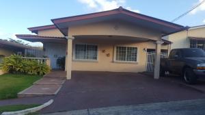 Casa En Ventaen Panama, Brisas Del Golf, Panama, PA RAH: 18-872