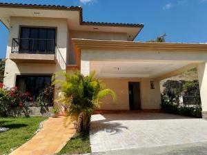 Casa En Ventaen Panama, Clayton, Panama, PA RAH: 18-1322